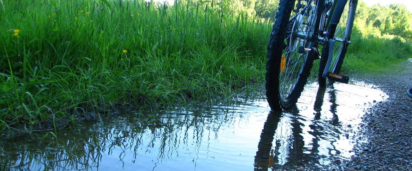 biking-southern-downs-water